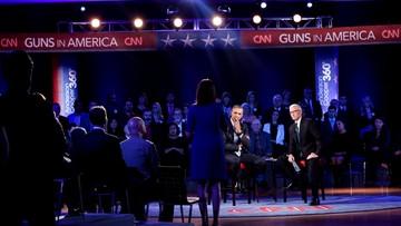08-01-2016 05:29 Mniej broni mniej ofiar? Obama przekonuje do większej kontroli