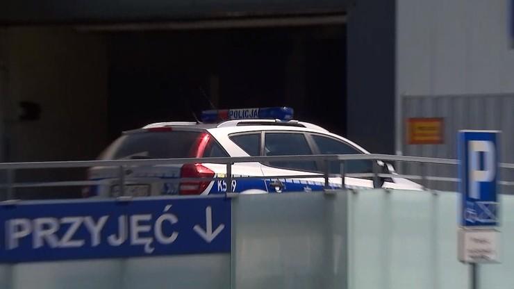 Rodzice jadący z synem na przeszczep utknęli w korku. Pomogli policjanci