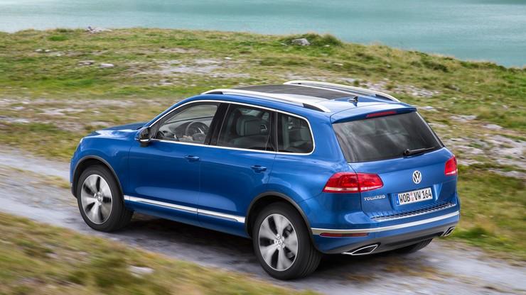 Volkswagen i Porsche wzywają do serwisów 800 tys. aut