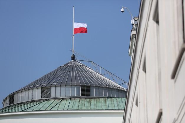CBOS: negatywne oceny Sejmu, gorsze notowania prezydenta