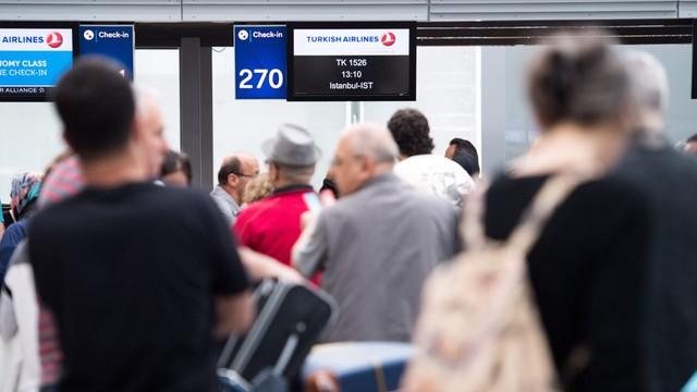 Turcja: międzynarodowy port lotniczy w Stambule wznowił obsługę lotów