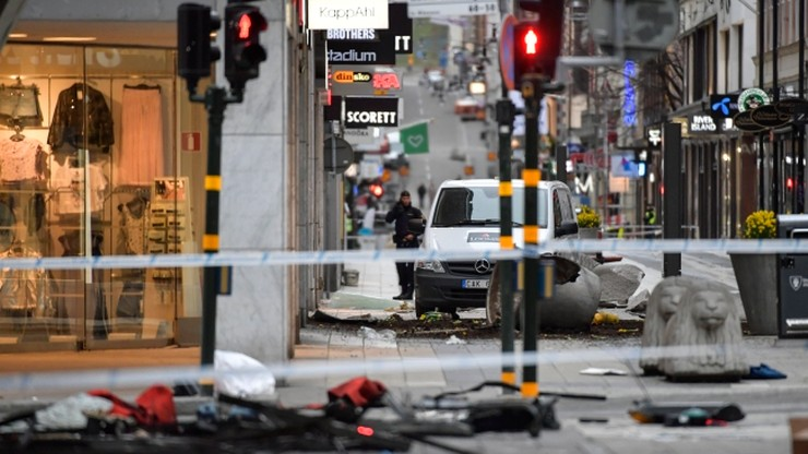 Szwecja: sklep wyprzedaje produkty uszkodzone w wyniku zamachu