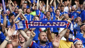 2017-03-28 Radość z wygranego meczu kończy się w łóżku? Tak awans do ćwierćfinału świętowali kibice Islandii
