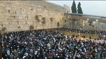 28-12-2017 19:23 Zbiorowa modlitwa o deszcz pod Ścianą Płaczu. Susza w Izraelu trwa od czterech lat