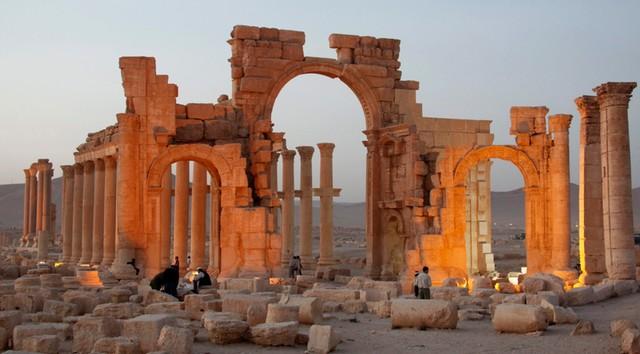 Syria: Bojownicy IS przejęli starożytną Palmirę
