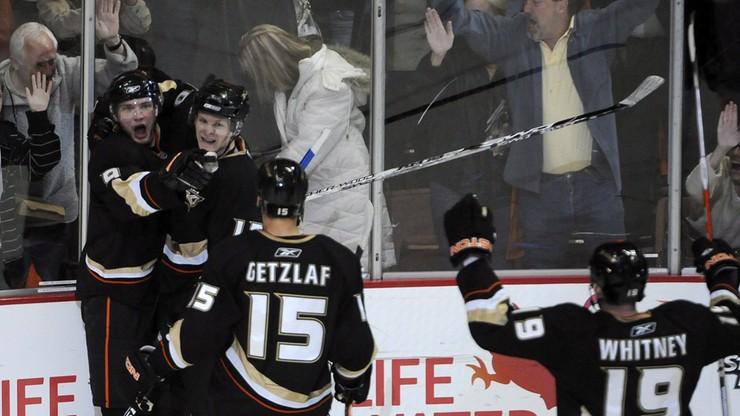 NHL: Pierwsze zwycięstwo Rekinów w finale na Zachodzie