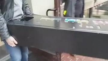 Automat z dopalaczami w sex shopie