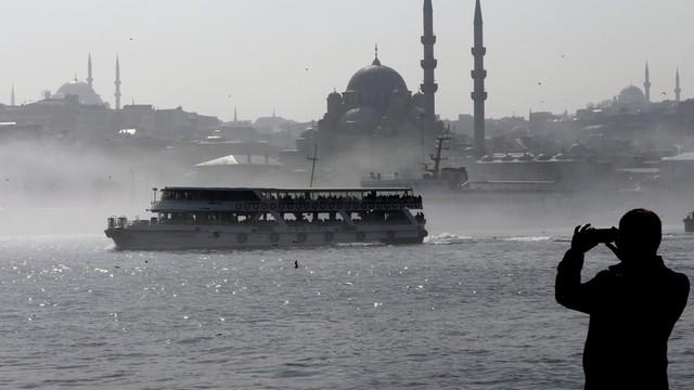 Turcja: Lider opozycji przeciwko przedłużeniu stanu wyjątkowego po puczu