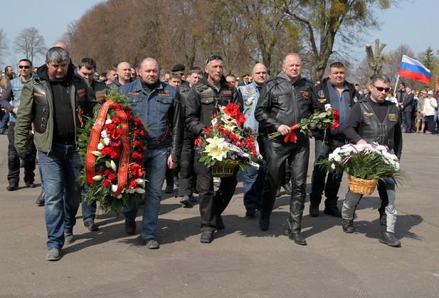 Polscy motocykliści wyruszyli w trasę Nocnych Wilków