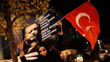 19-04-2017 19:17 Komisja wyborcza odrzuciła skargi opozycji ws. referendum w Turcji