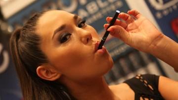 11-12-2015 19:03 Holandia: będzie zakaz e-papierosów dla osób poniżej 18 lat