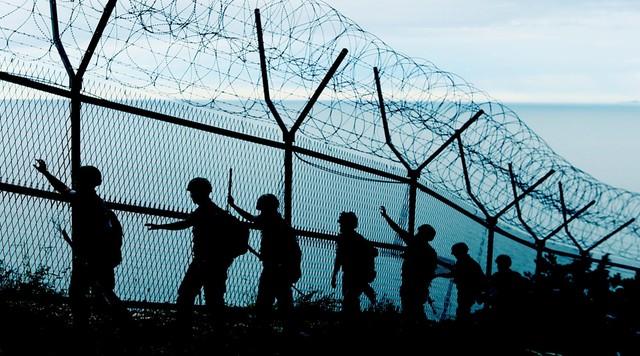 Korea Płd. obniża najwyższy alert wzdłuż granicy z Koreą Płn.