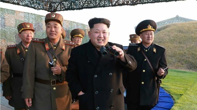 Kim Dzong Un znów prowokuje. Nadzorował test silnika rakietowego