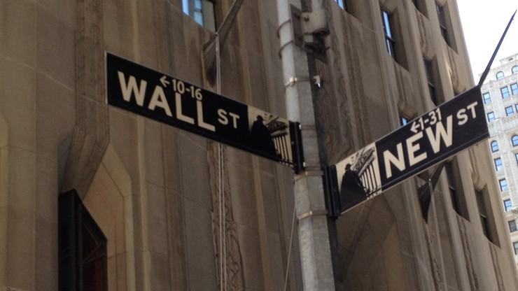 Na Wall Street po spadkach lekkie zmiany
