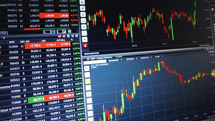 """To nie """"łatwy i szybki zysk"""". UOKiK ostrzega przed inwestycjami w grę na walutach"""
