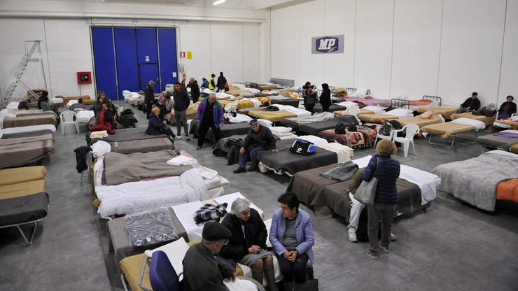Tysiące ludzi bez dachu nad głową. Bilans po trzęsieniu ziemi we Włoszech
