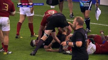 2015-10-18 Puchar Świata w Rugby: Akt desperacji czy wola walki? Uderzenie Francuza pięścią w twarz!