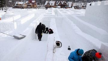 23-01-2016 09:25 Zakopane: rekordowy labirynt. 60 tys. śnieżnych elementów