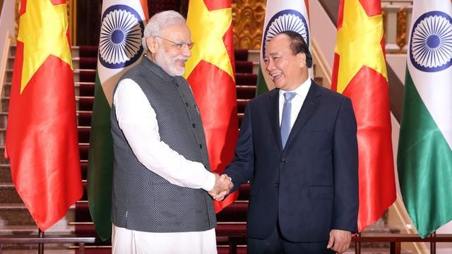 Indie pożyczają pół miliarda dolarów Wietnamowi - na zbrojenia