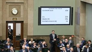 Sejm uchwalił nowe prawo o zgromadzeniach - opozycja i RPO krytykują