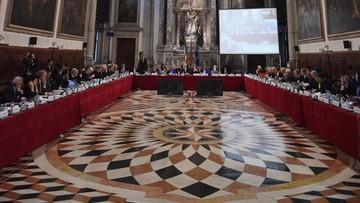 11-03-2016 18:17 Komisja Wenecka: osłabienie TK podważy demokrację, prawa człowieka i rządy prawa
