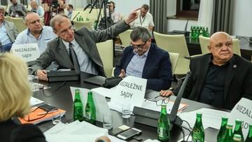 """21-07-2017 05:09 Okrzyki """"wolne sądy!"""" zagłuszały posiedzenie. Senacka komisja bez poprawek przyjęła ustawę o SN"""