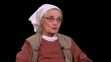 Ustawa mówi, że za przyjęcie człowieka bezdomnego do schroniska grozi kara 20 tys. zł. Siostra Chmielewska w programie Tło o 21:00