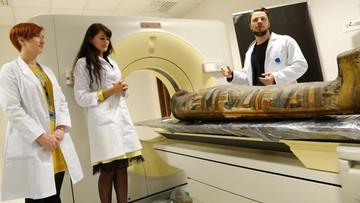 15-12-2015 19:45 Największe na świecie badania nad egipskimi mumiami w Otwocku
