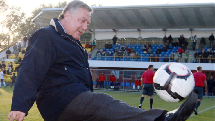 Młody piłkarz wali głową w szklany sufit - Jerzy Engel wie dlaczego
