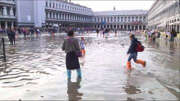 16-10-2016 17:10 Po kostki w wodzie. Jednorazowe kalosze hitem w Wenecji