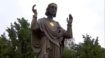 Pomnik niezgody. Inspektorzy budowlani sprawdzali figurę Chrystusa w Poznaniu