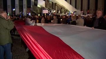 Demonstracja w obronie sądów przed Sądem Najwyższym