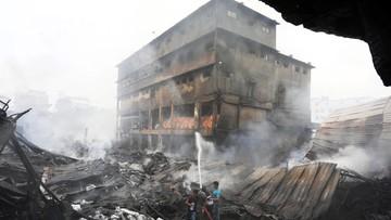 17-09-2016 06:18 Bangladesz: właściciel spalonej fabryki ukrywa się przed rodzinami ofiar