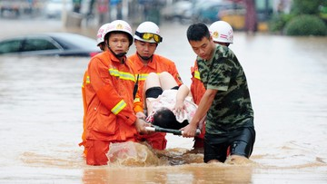20-06-2016 13:22 Indonezja: co najmniej 47 ofiar powodzi i lawin błotnych na Jawie