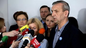 09-05-2017 12:36 Przeciwnicy reformy edukacji żądają wprowadzenia wniosku o referendum pod obrady Sejmu