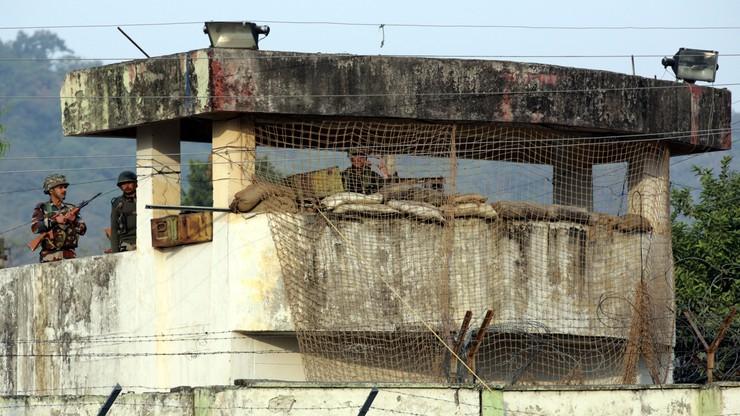 Indie: rebelianci zaatakowali wojskową bazę w Kaszmirze - 7 żołnierzy nie żyje
