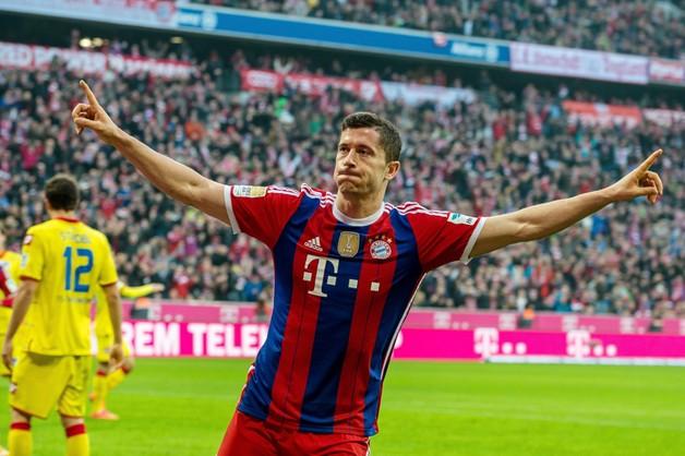 Robert Lewandowski nominowany do drużyny roku UEFA