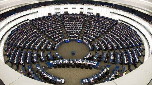 Trzy główne grupy polityczne chcą omawiać sytuację Polski na forum PE