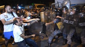 21-07-2016 10:54 Armenia: masowe aresztowania po starciach z policją