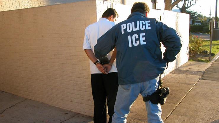 """Operacja """"Bezpieczne Miasto"""" w USA. W ciągu czterech dni aresztowano prawie 500 nielegalnych imigrantów"""