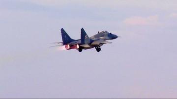 Samolot myśliwski MiG-29 zniknął z radarów. Po godz. 19 odnaleziono wrak. Pilot przeżył