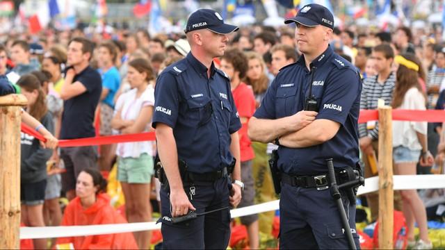 ŚDM: zatrzymano mężczyznę z bronią, okazał się ochroniarzem