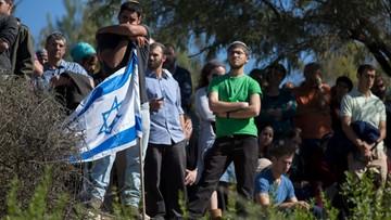 22-11-2015 06:17 Izrael: ataki nożowników