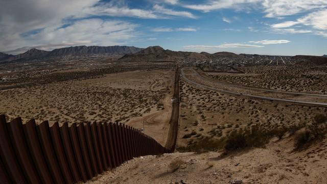 Meksyk: Prezydent odrzuca decyzję USA ws. budowy muru