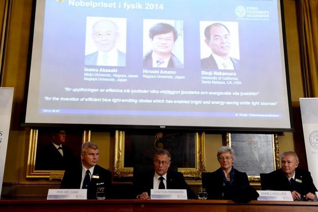Nobel z fizyki dla odkrywców niebieskiej diody LED