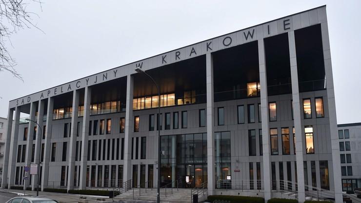 Zarzuty dla pięciorga pracowników Sądu Apelacyjnego w Krakowie. M.in. dotyczące udziału w zorganizowanej grupie przestępczej