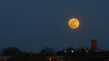 Takiego księżyca nie było od 68 lat. Wysyłajcie nam swoje zdjęcia