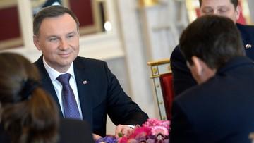 18-03-2016 12:57 51 proc. Polaków dobrze ocenia prezydenta. Sondaż CBOS