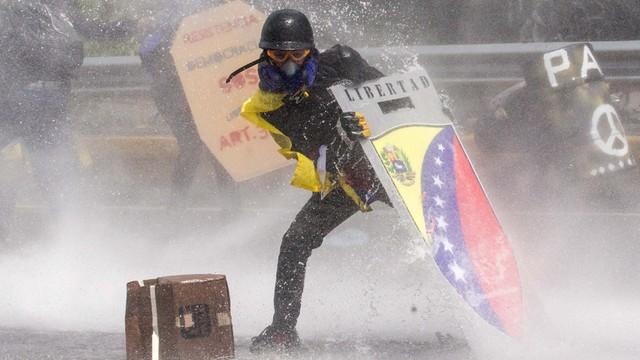 Wenezuela: Opozycja stawia warunki dialogu z rządem