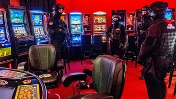 09-06-2017 06:07 W Wólce Kosowskiej zlikwidowano nielegalne kasyna. Kara może wynieść 4 mln zł